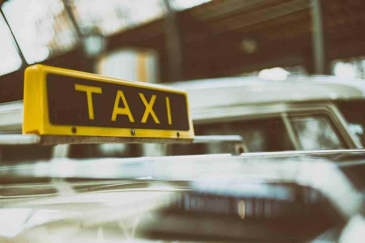 storia taxi