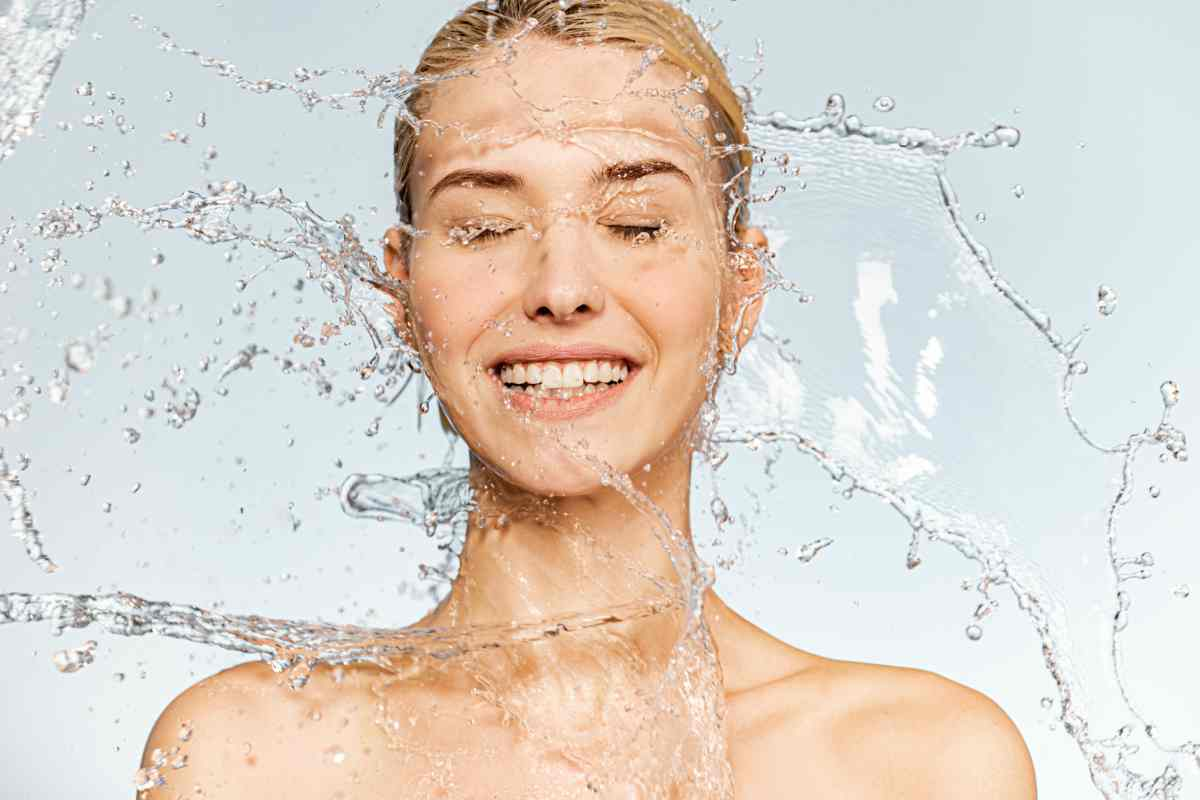 Detersione del viso con il metodo delle 3 biofasi