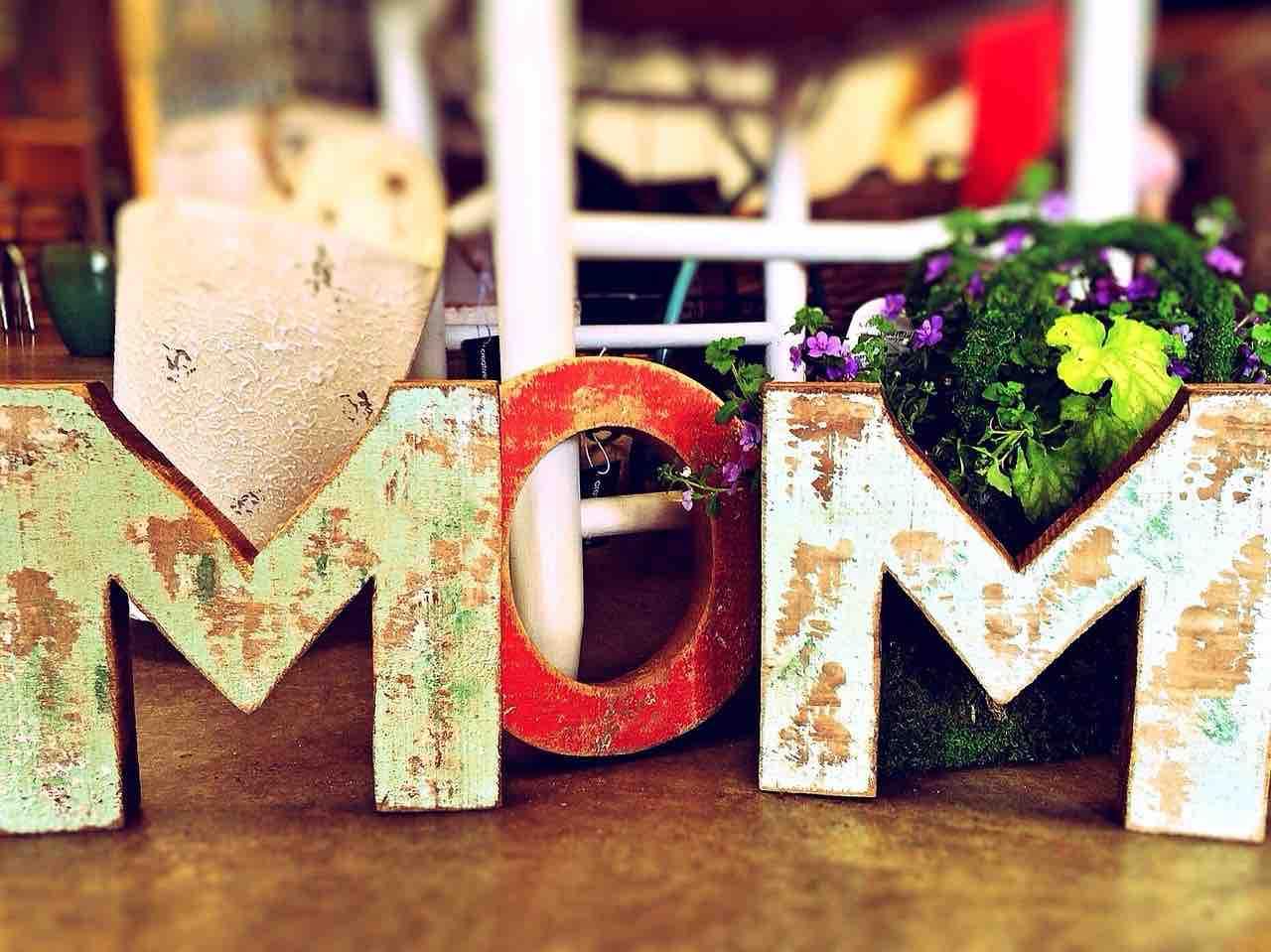 scritta mamma