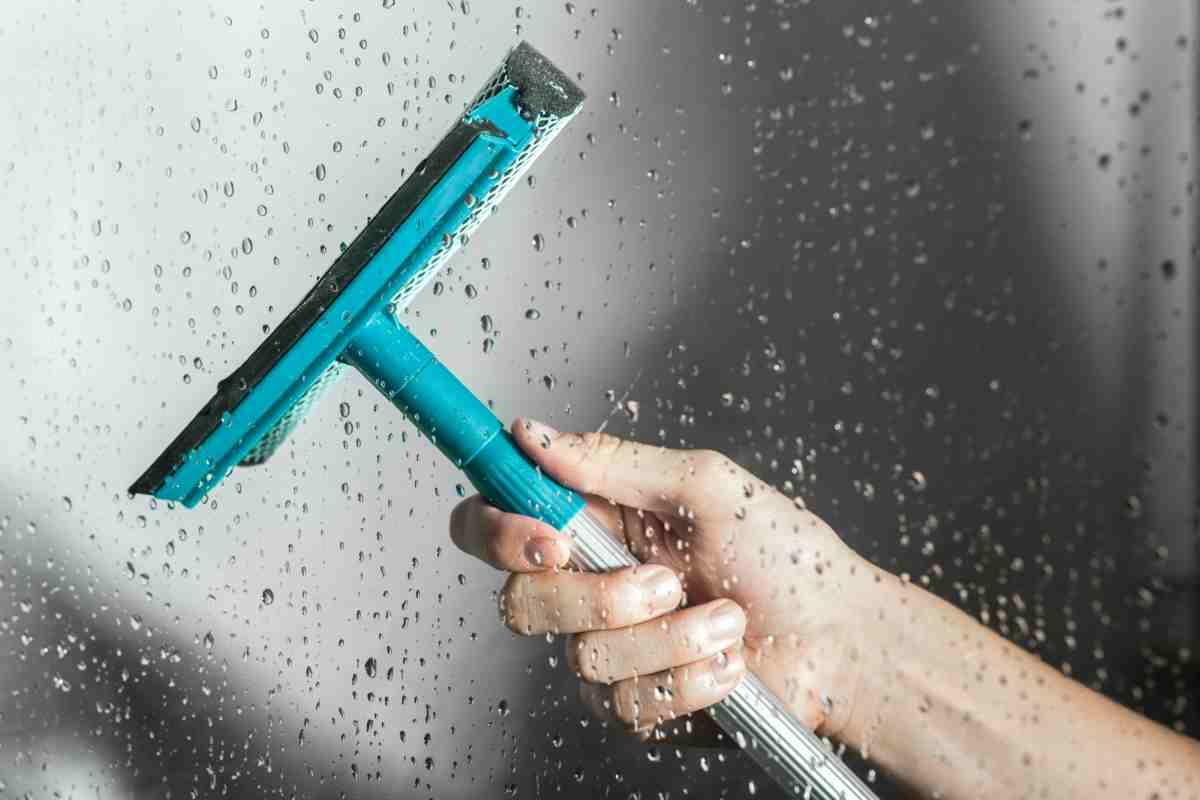 Pulire la doccia con rimedi naturali