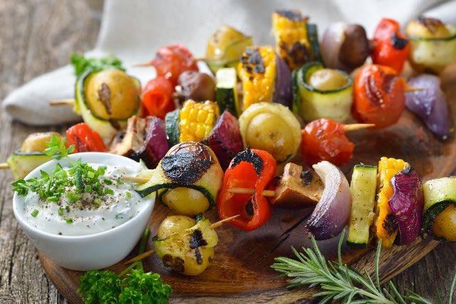 Spiedini di verdure arcobaleno