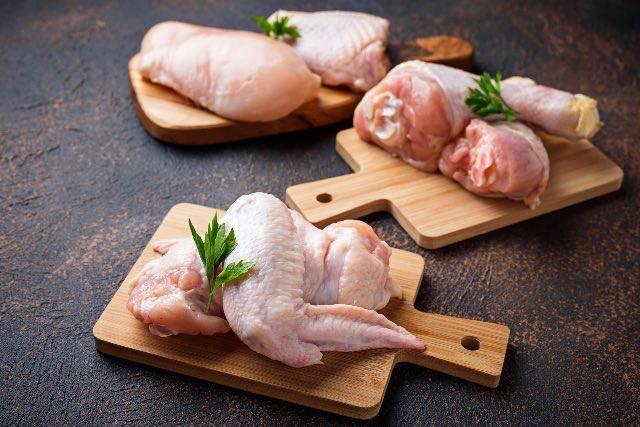 Pronte per tagliare il pollo in modo perfetto?