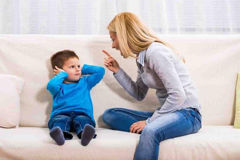 sgridare bambino