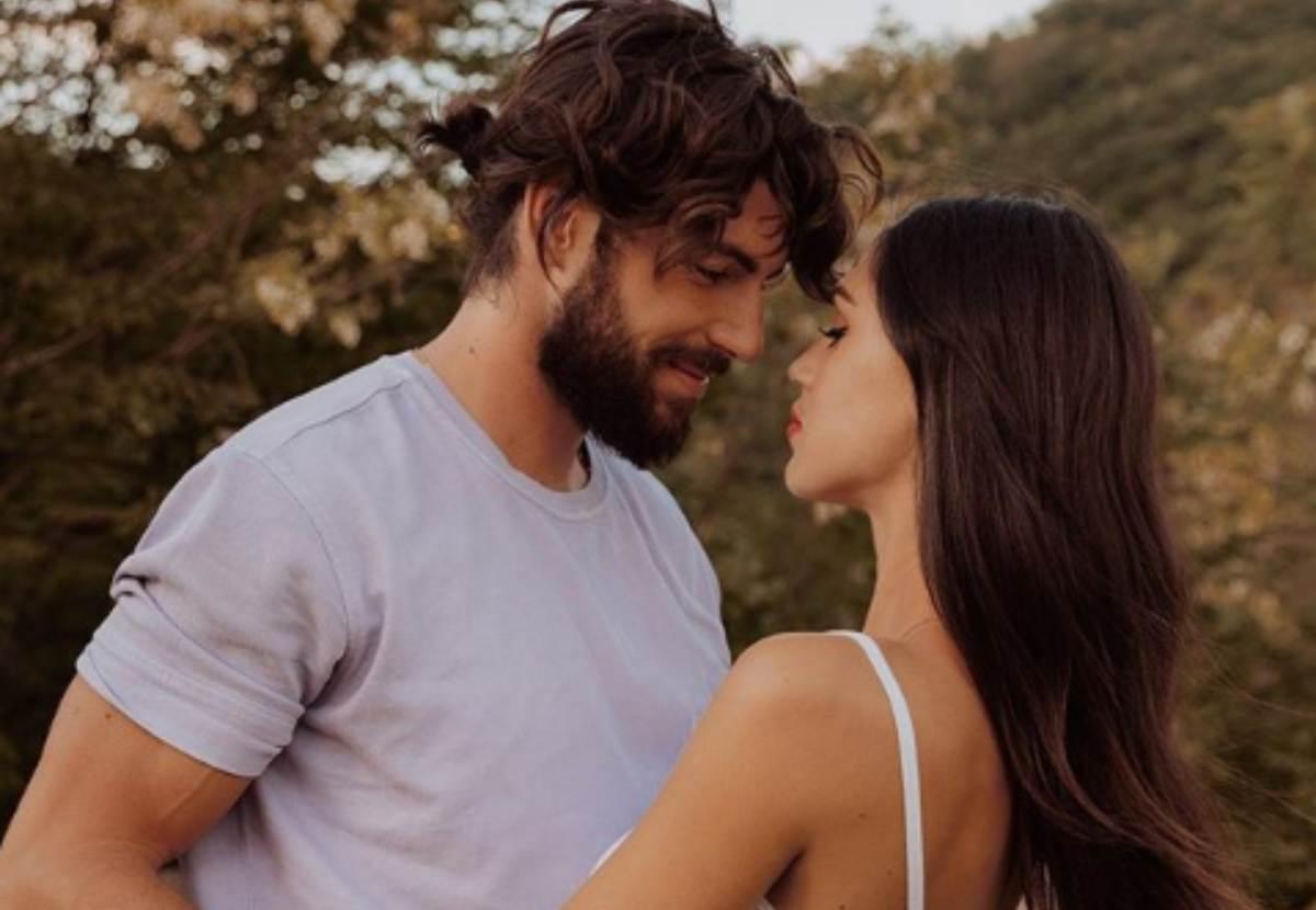 Cecilia Rodriguez e Ignazio Moser abbraccio