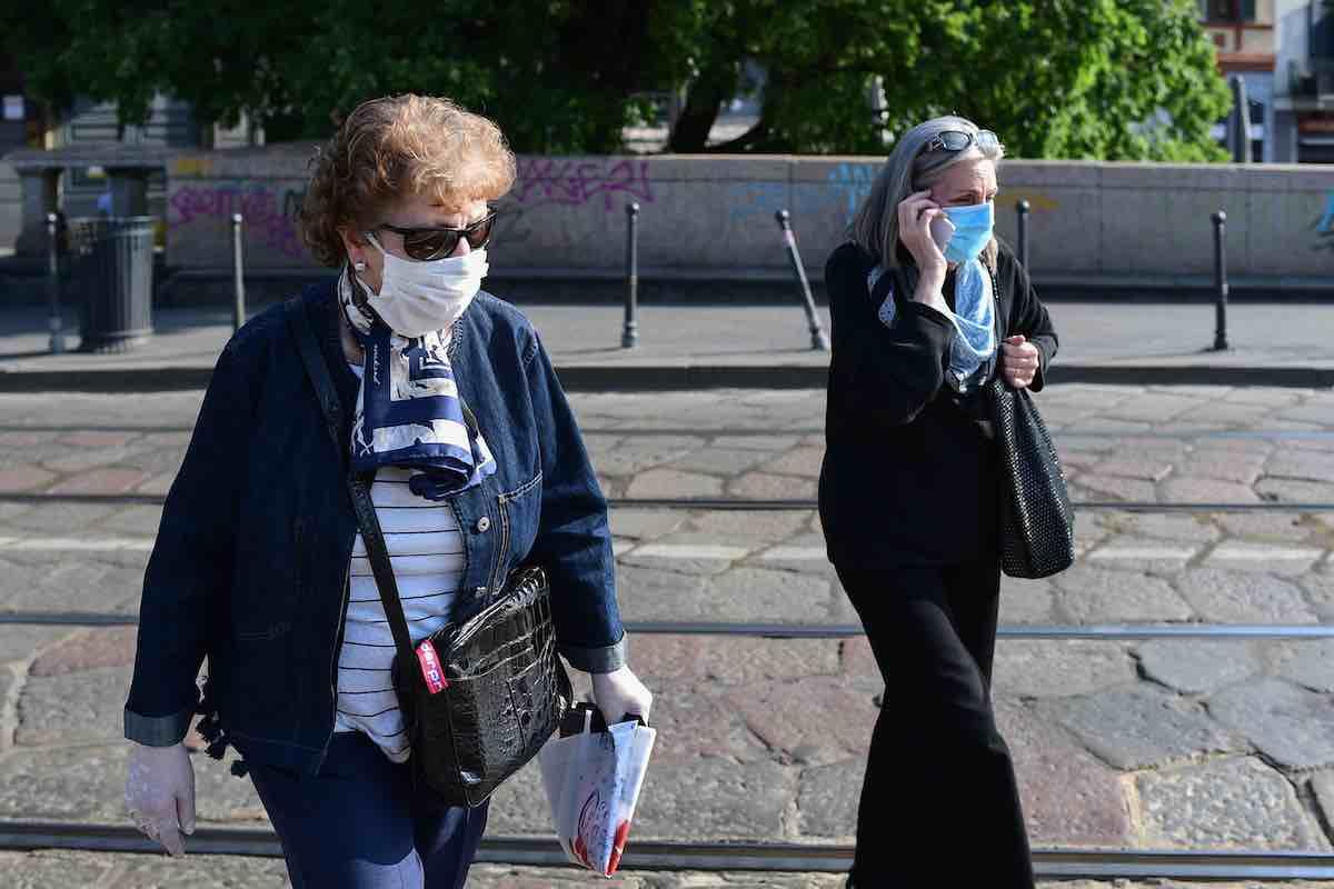 Guanti e mascherine, l'effetto boomerang della prevenzione (Getty Images)