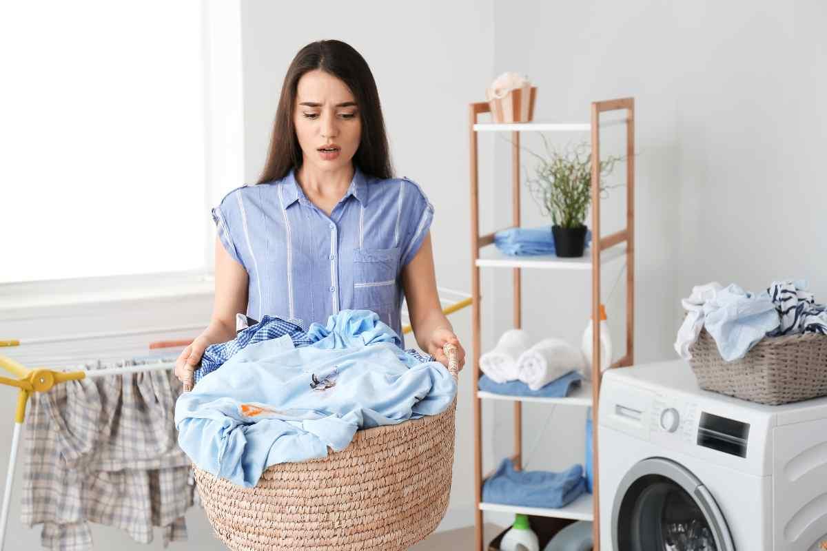 Lavare capi di abbigliamento