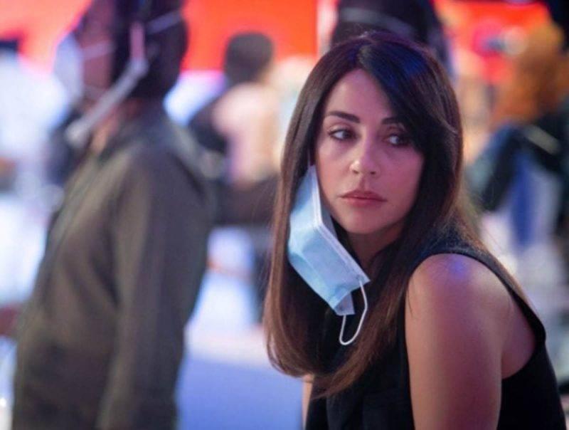 Raffaella Mennoia in studio