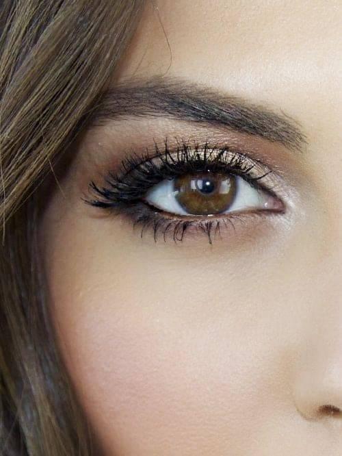 makeup marrone luminoso