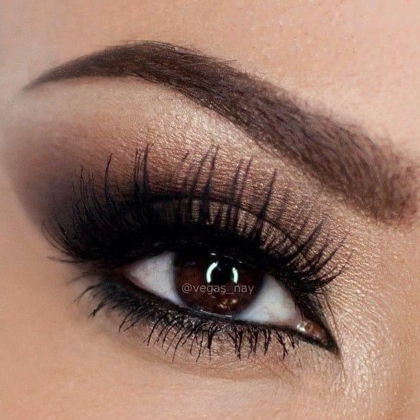 makeup marrone per occhi scuri