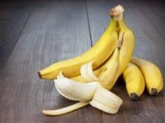 Buccia di banana? Non buttarla, puoi usarla come fertilizzante!