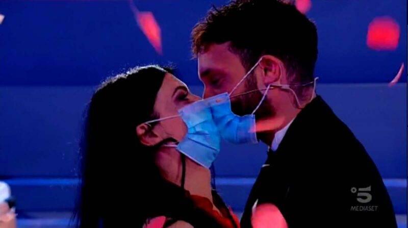 Giovanna e Sammy bacio