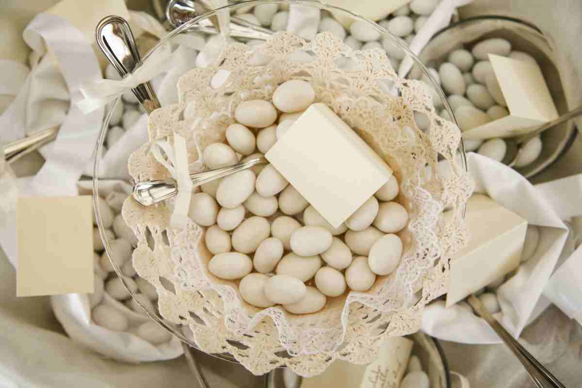 Matrimonio fai da te il festoncino di confetti