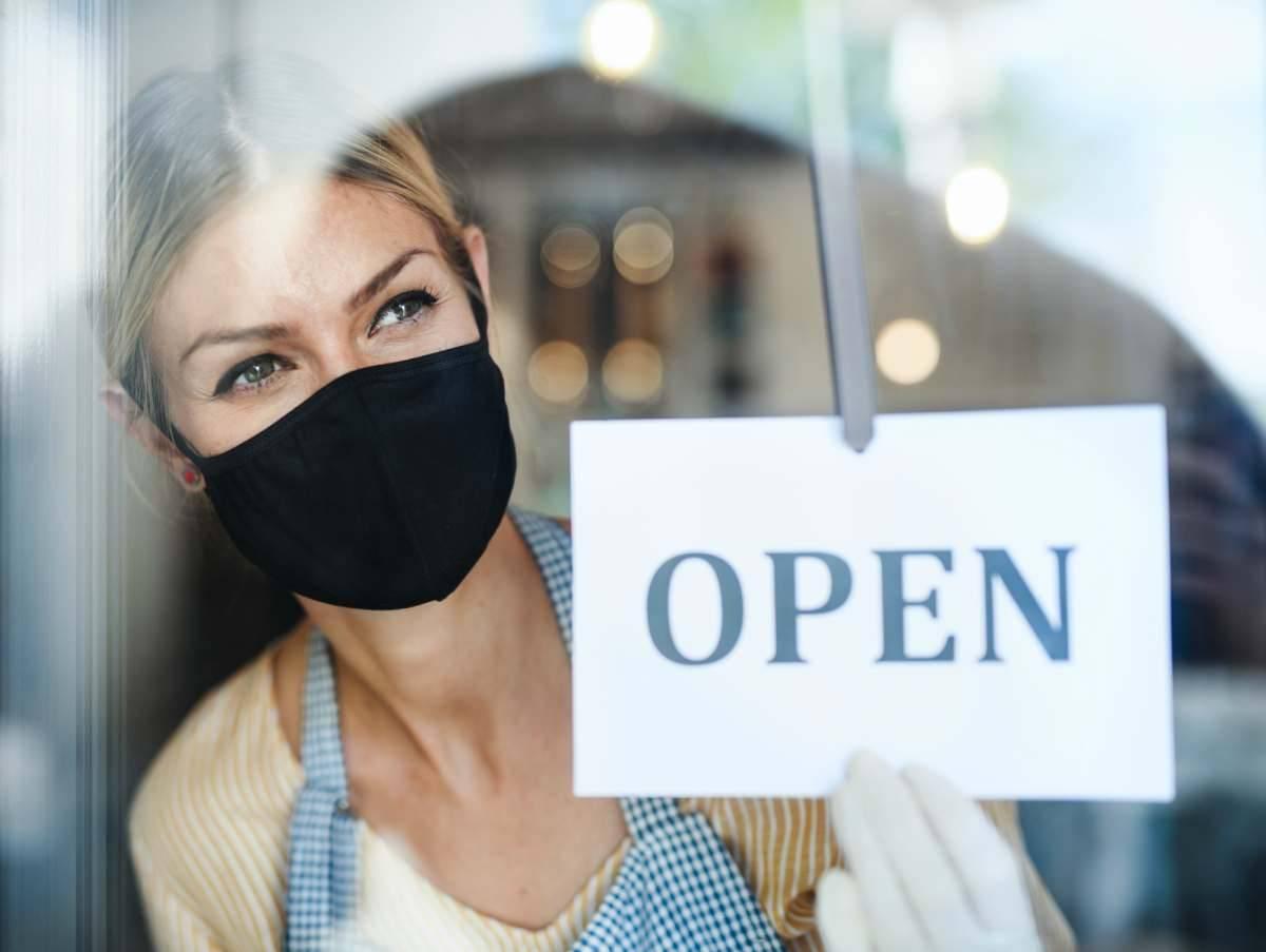 Coronavirus No ai guanti protettivi | rischio di auto contaminazione