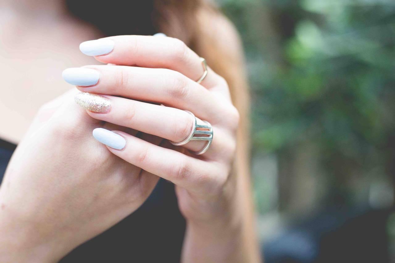 manicure pastello