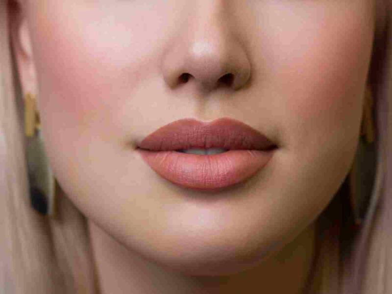 labbra carnose trattamenti e makeup