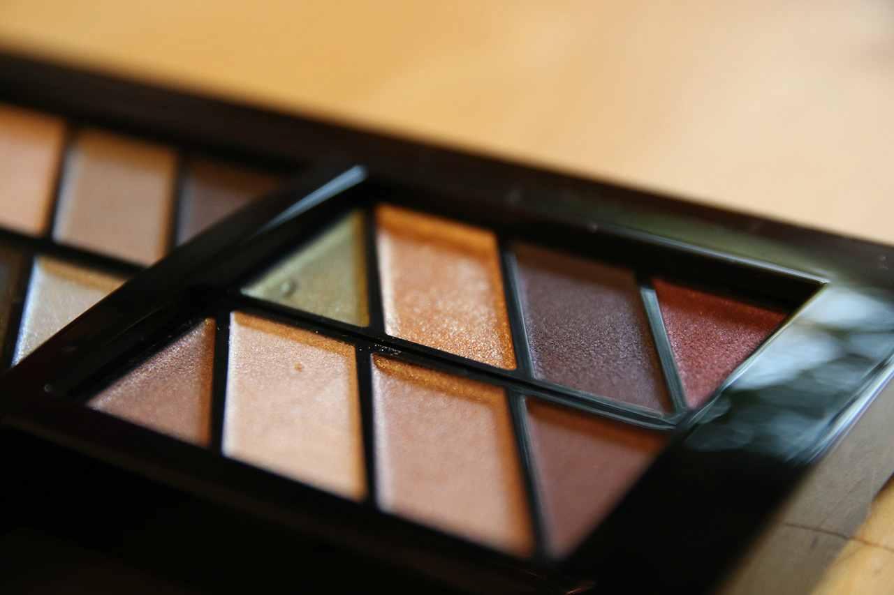 Ombretto marrone tendenza makeup per l'inverno 2020