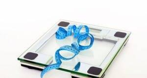 Ecco quanto varia il tuo peso durante la giornata! Quel numero conta davvero?