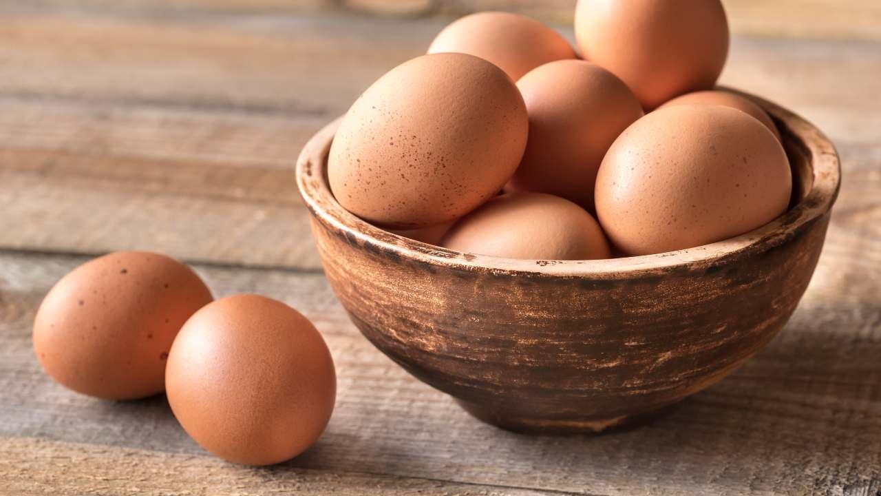 uova scadute come capire se sono ancora buone usi alternativi