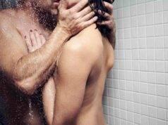 contatto fisico coppia