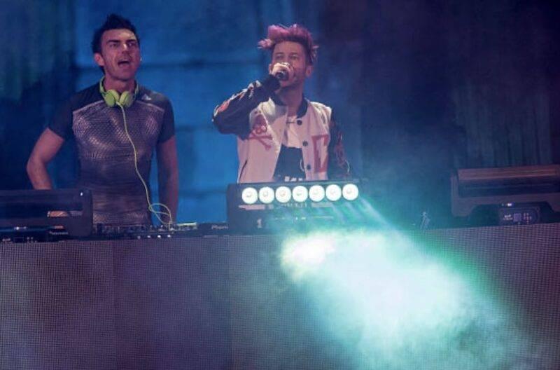 Danti e Gabri Ponte durante un live (Getty Images)