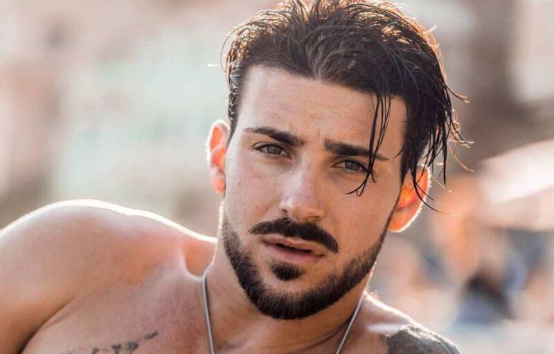 Nicola Vivarelli in spiaggia