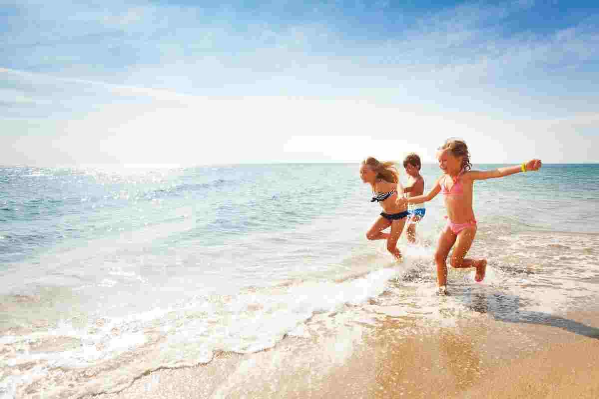 come prevenire che un bambino si perda in spiaggia