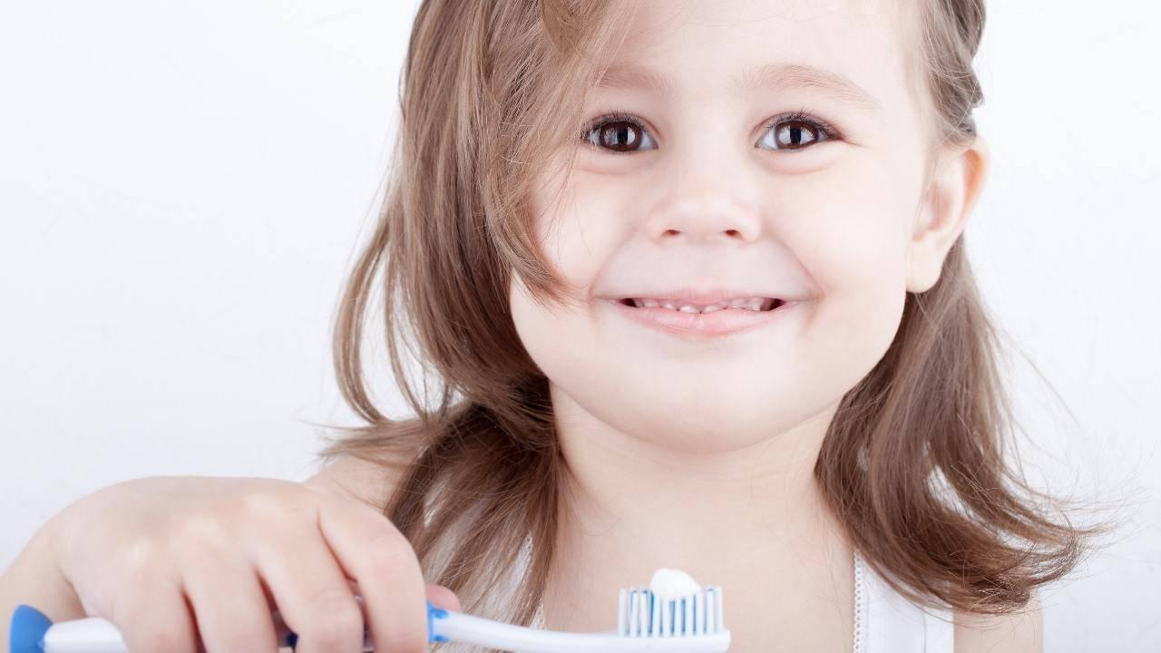 dentifricio fatto in casa bambini