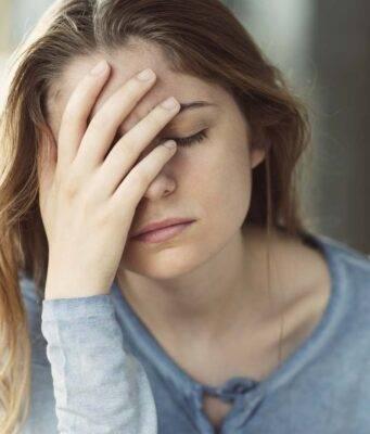 donna esausta