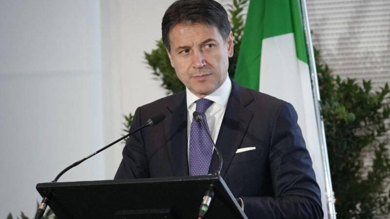 Giuseppe Conte parla alla Camera (Getty Images)