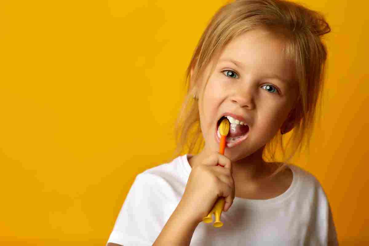 Igiene orale bambini quando iniziare quale dentifricio scegliere