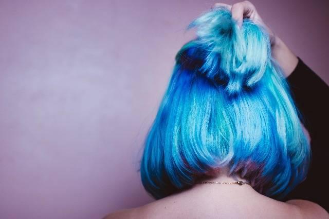 Tinta blu capelli