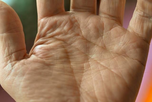 Leggere la mano