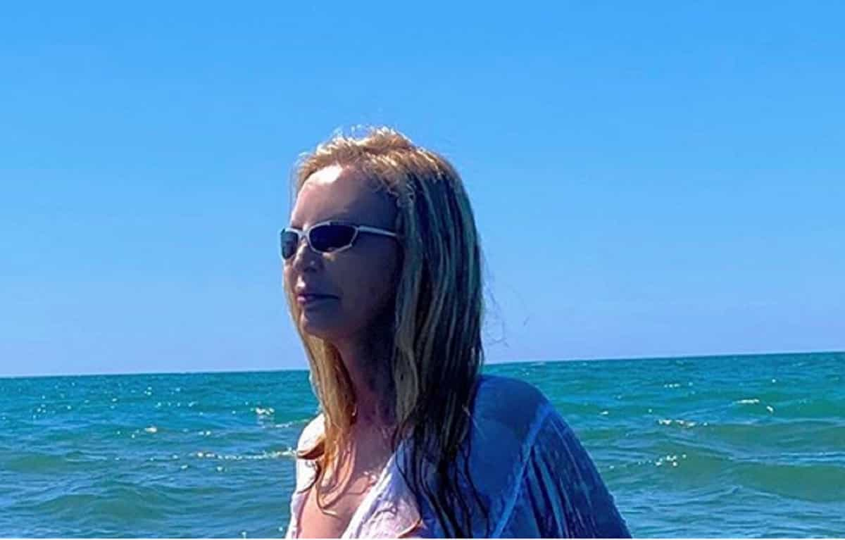 Patty Pravo e lo scatto bollente al mare, i fan si scatenano