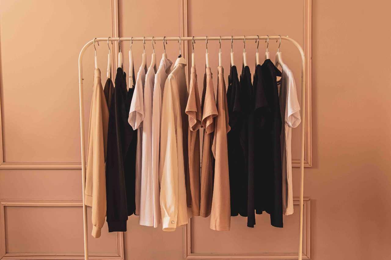 vestiti nascondere pancia