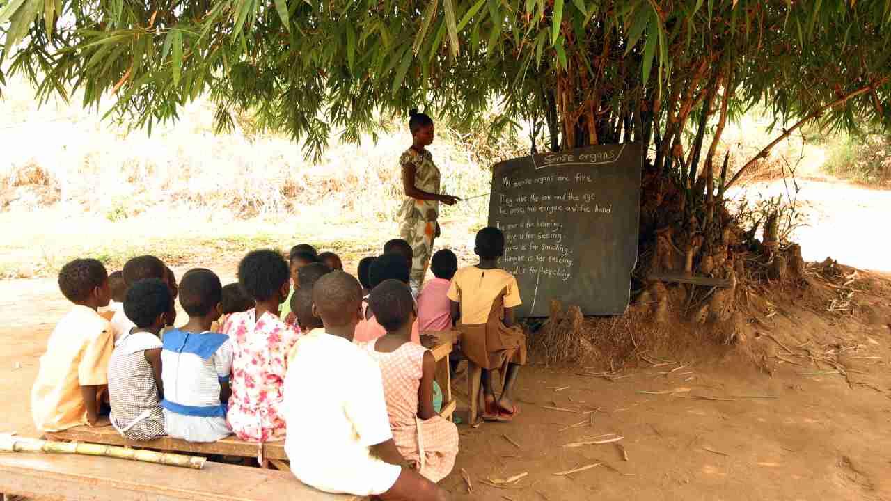 10 milioni di bambini potrebbero non tornare più a scuola