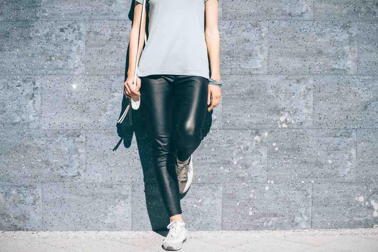 pantaloni neri pelle
