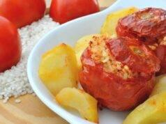 Pomodori con il riso al forno con patate VIDEO RICETTA ROMANA