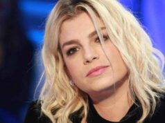 Emma Marrone accusa di modificarsi le foto