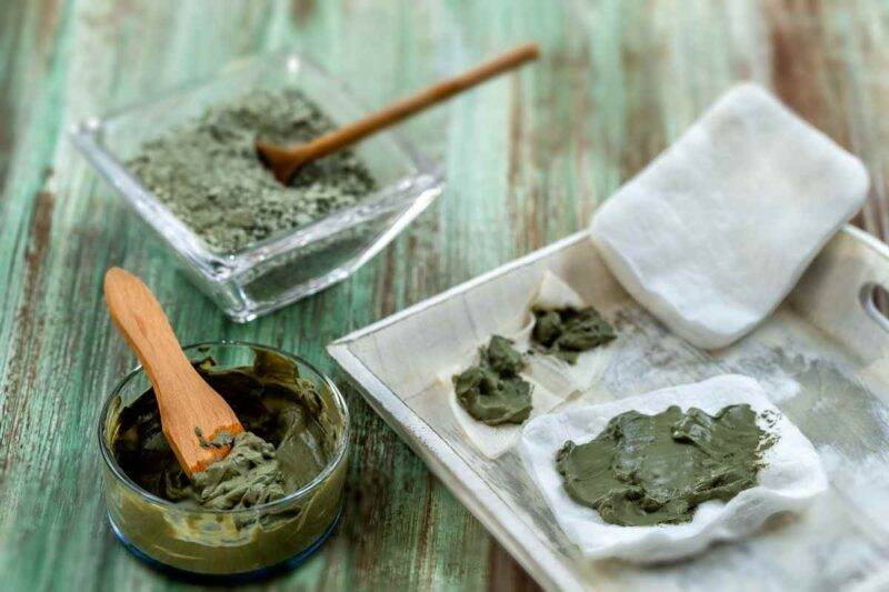 Maschera all'argilla per curare la pelle