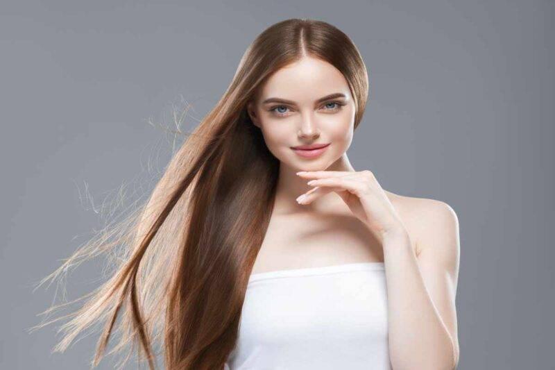 Come curare i capelli lisci