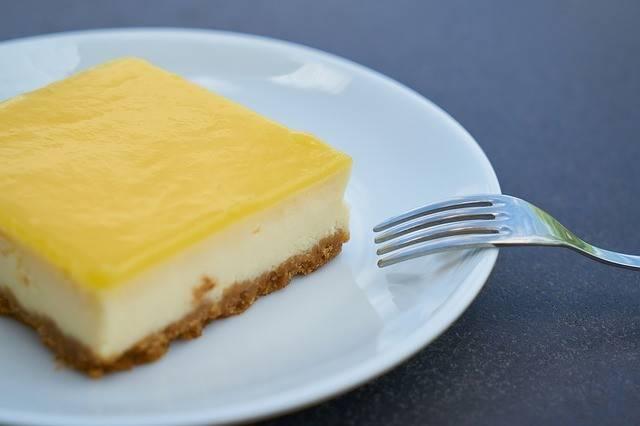 Torta al limone: ricetta tradizionale, veloce e fresca