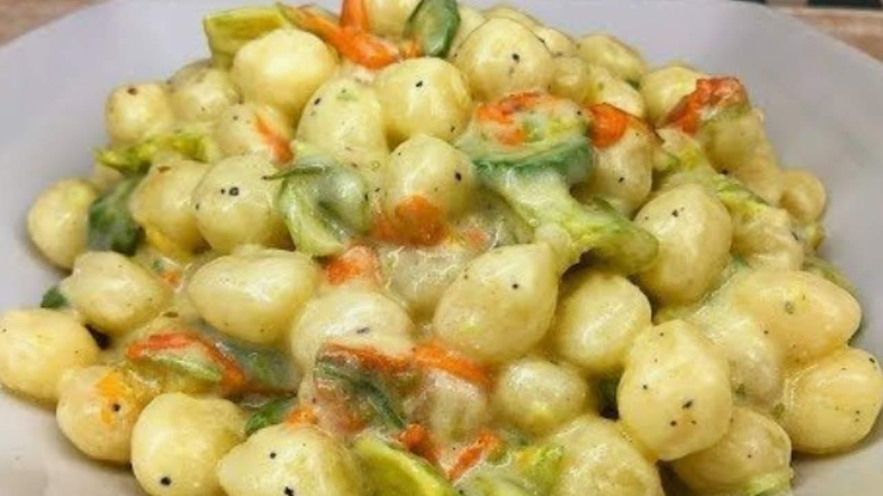 chicche di patate zucchine fiori di zucca e robiola