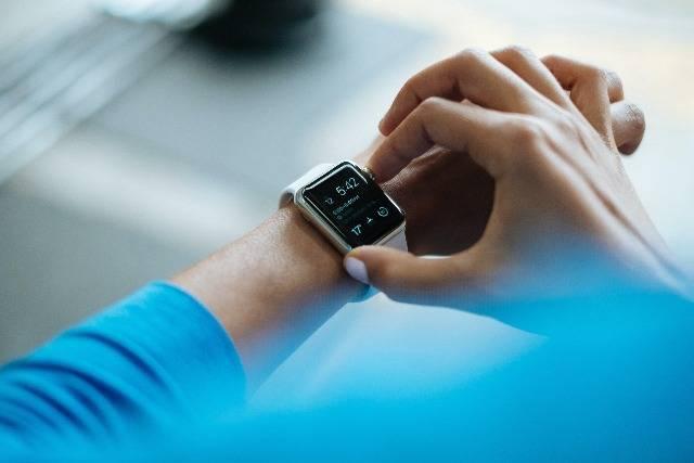 Esercizi facili per un rapido consumo calorico: allenamento breve