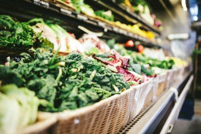 Come mangiare bene e spendere poco: trucchi e consigli