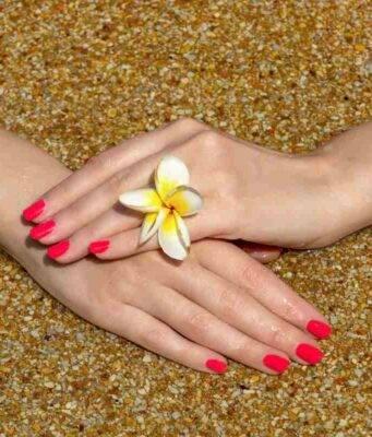 Curare le unghie in estate
