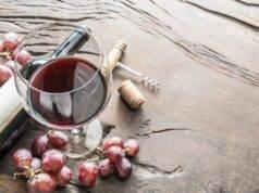 Avanzi di vino: ecco cosa puoi farci, dall'igienizzante alla cura della pelle