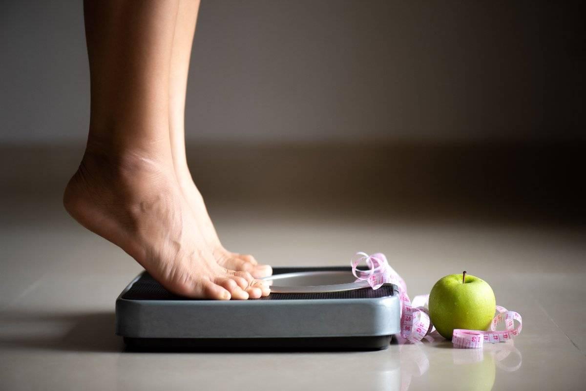Tieni sotto contro il peso corporeo prima delle feste: i trucchi!