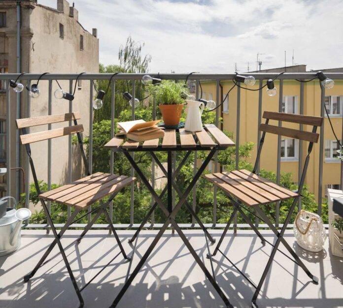 Come pulire le ringhiere dei balconi: trucchi efficaci