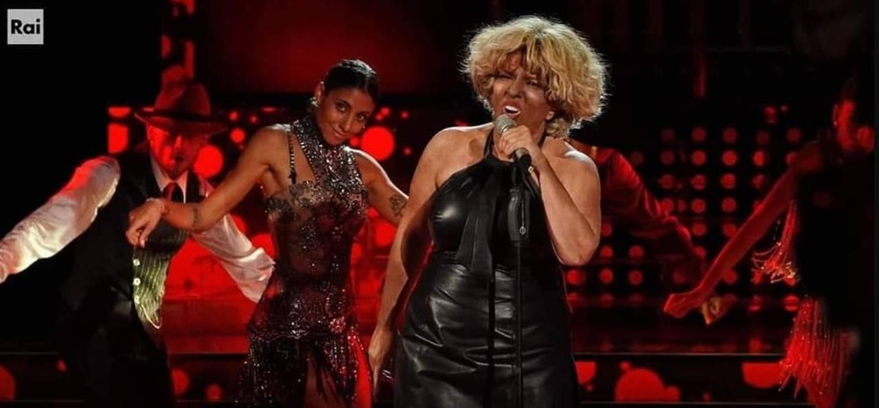 Barbara Cola Tina Turner