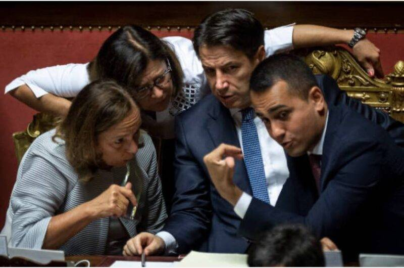 Conte, scontro con i Cinque Stelle sul reddito di cittadinanza (Getty Images)